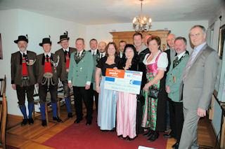 Taxenbach Januar 2014-Spendenübergabe